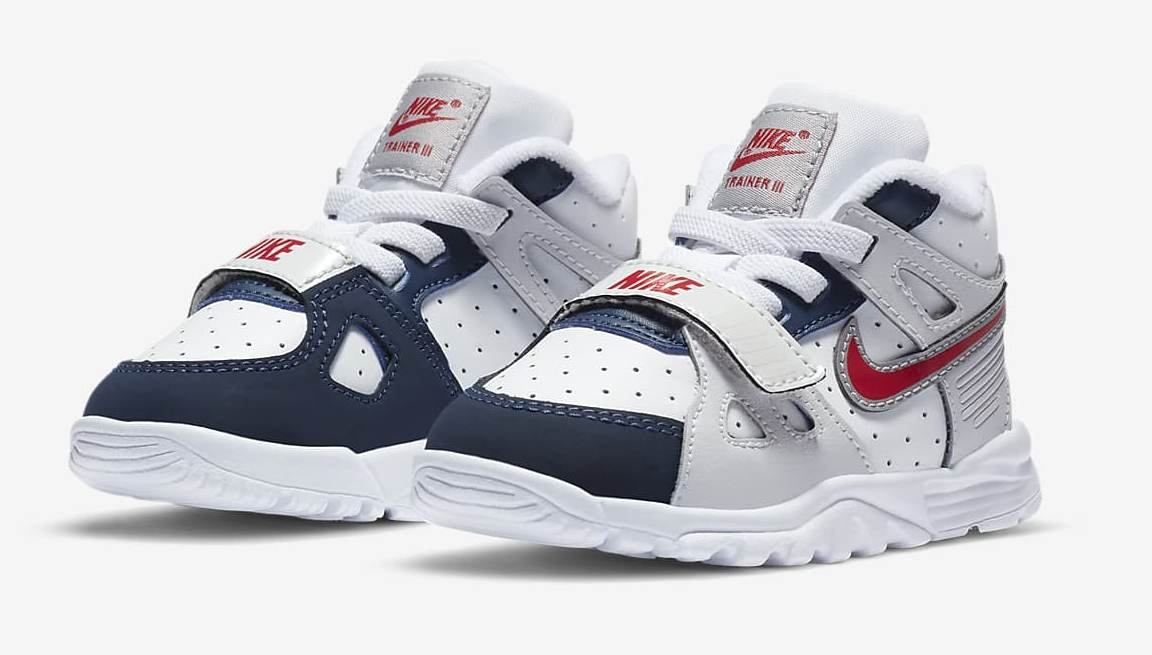 air-trainer-3-and-shoe-ZrmRdx (1).jpg