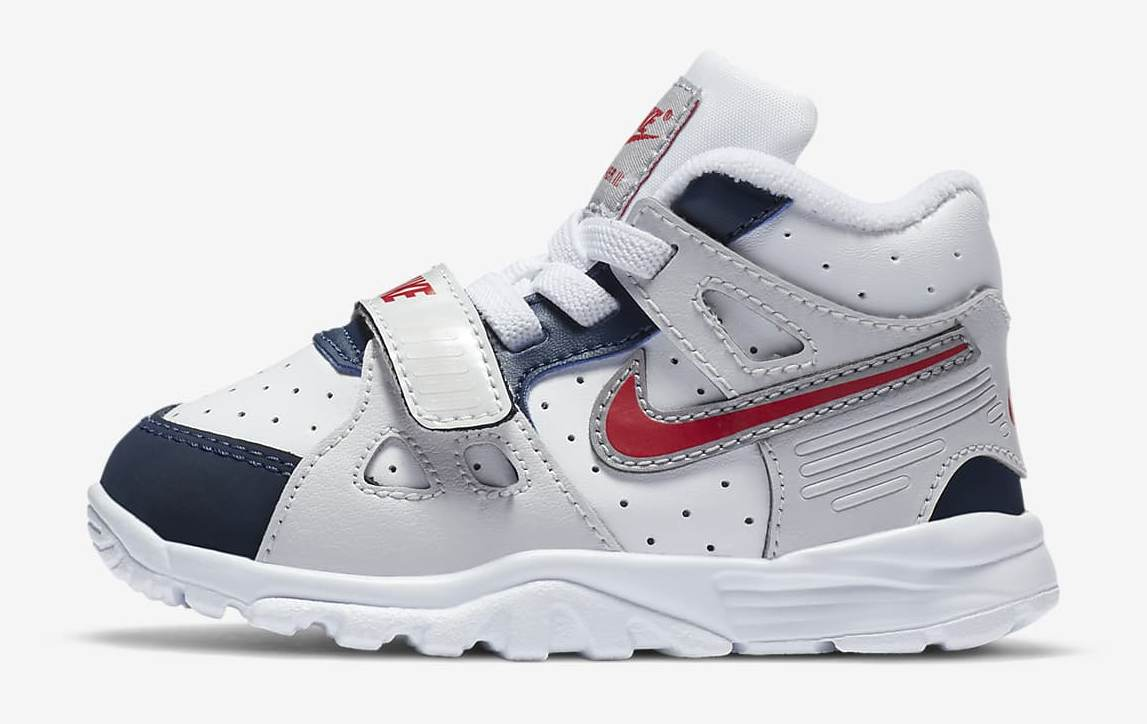 air-trainer-3-and-shoe-ZrmRdx.jpg